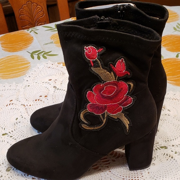 Candie's Shoes - Candies Black Suede Boots w/Embroidered Red Roses